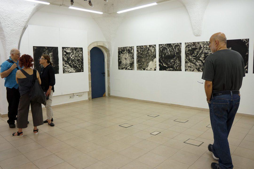 """מראה הצבה בתערוכה """"משה גרשוני: ימי חיינו"""" (2016)"""