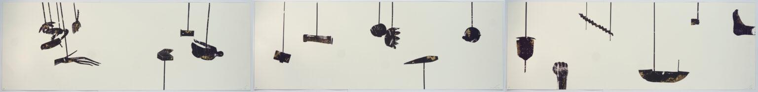 """מידד אליהו, מטוטלת (2020), טריפטיכון; הדפס-רשת ועלי זהב, גובה 38 ס""""מ, רוחב 318 ס""""מ"""
